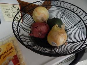 onions, avacodo